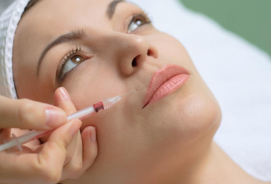peeling, filler, trattamento viso, chirurgia estetica, rughe, invecchiamento pelle, inestetismi facciali