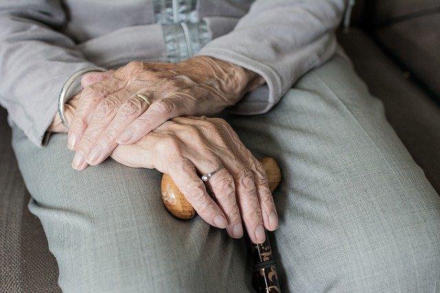Casa di riposo per anziani: quando è il momento e come scegliere