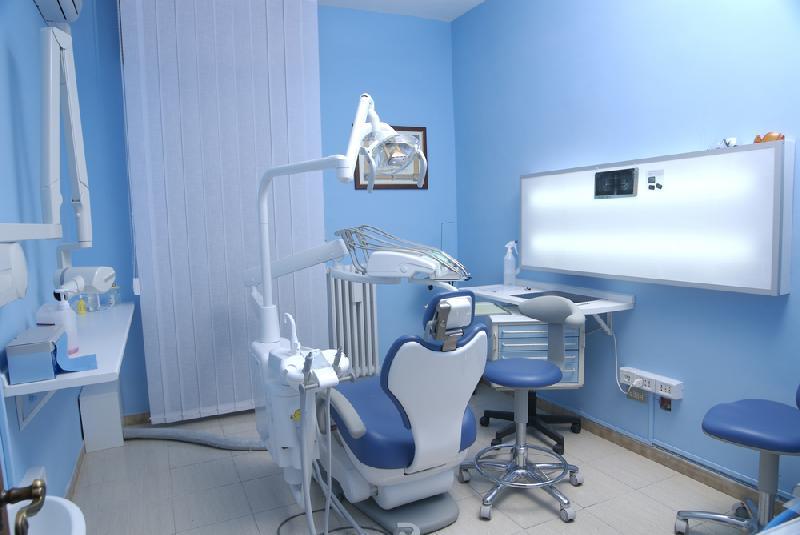 Come scegliere uno studio dentistico professionale e qualificato