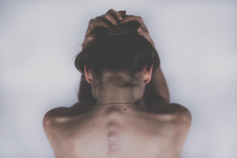 Mal di testa, quanti tipi ne esistono e come si cura